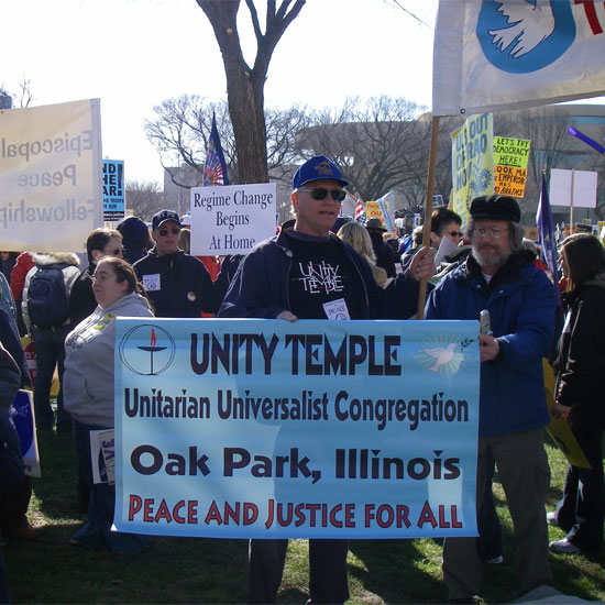 Members of Unity Temple, Oak Park, Illinois, at the anti-war rally in Washington, D.C., January 2007. Photo by Adam Gerhardstein/UUA.