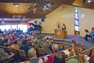 Photo of the sanctuary at Unitarian Universalist Church of Boulder during worship
