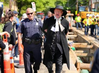 Rev. John Gibbons of First Parish in Bedford arrested at pipeline protest.