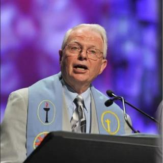 Rev. Wayne Arnason in the Pulpit